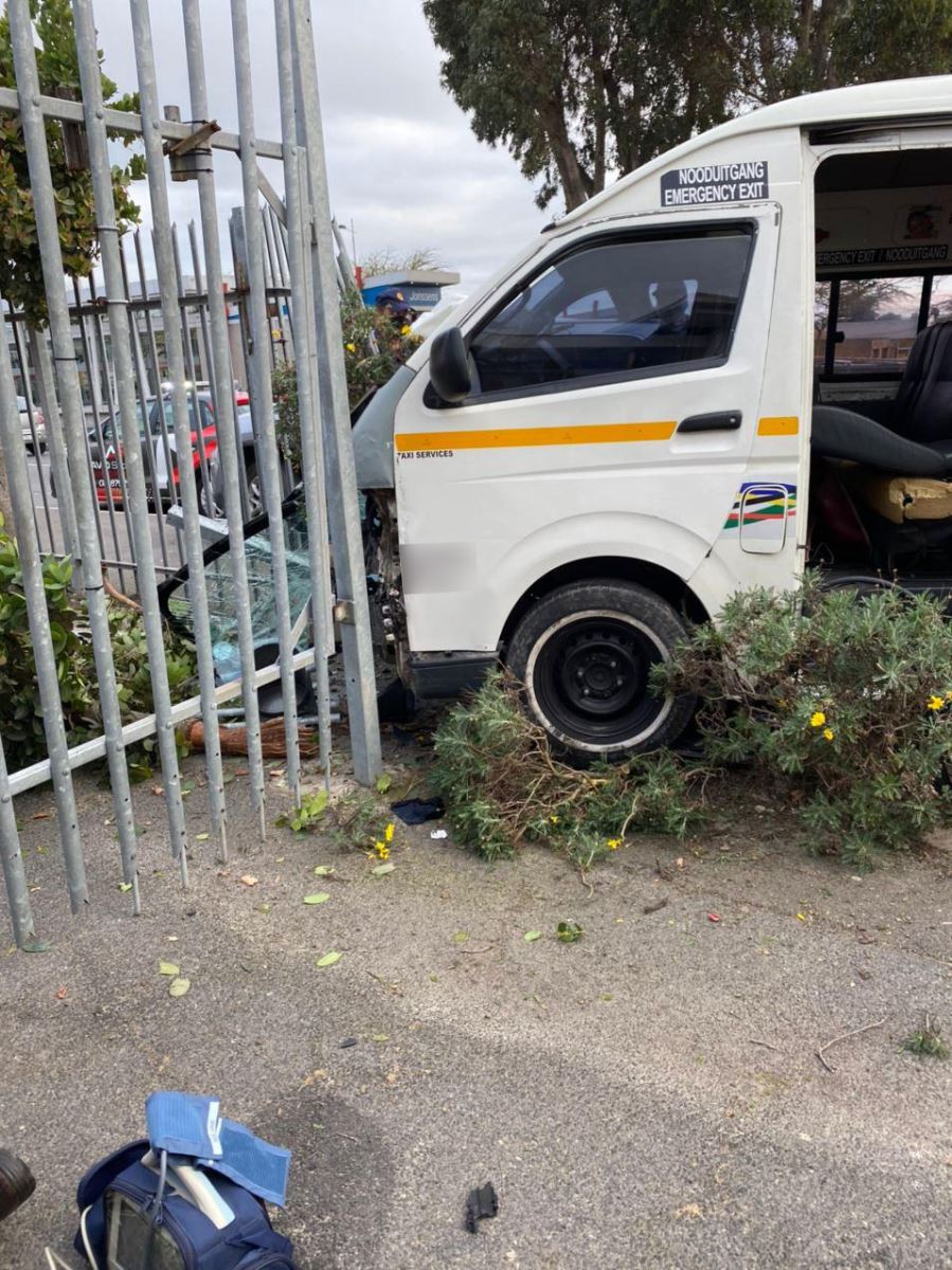 Taxi and car collide leaving eleven injured in Table View